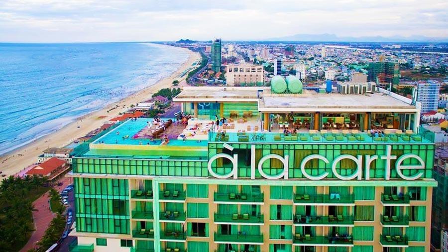 A La Carte Hotel Đà Nẵng với hồ bơi vô tận ngoài trời vô cùng hấp dẫn