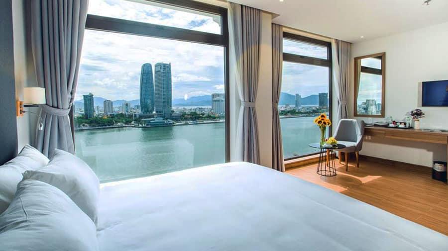 Glamour Hotel Đà Nẵng là khách sạn có vị trí nằm trong thủ phủ du lịch của của thành phố