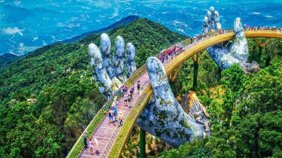Cầu Vàng Đà Nẵng - Địa điểm du lịch nhất định không nên bỏ lỡ