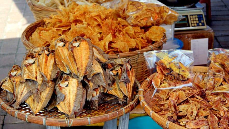 Các loại hải sản khô Phú Quốc cũng là món quà du lịch hấp dẫn