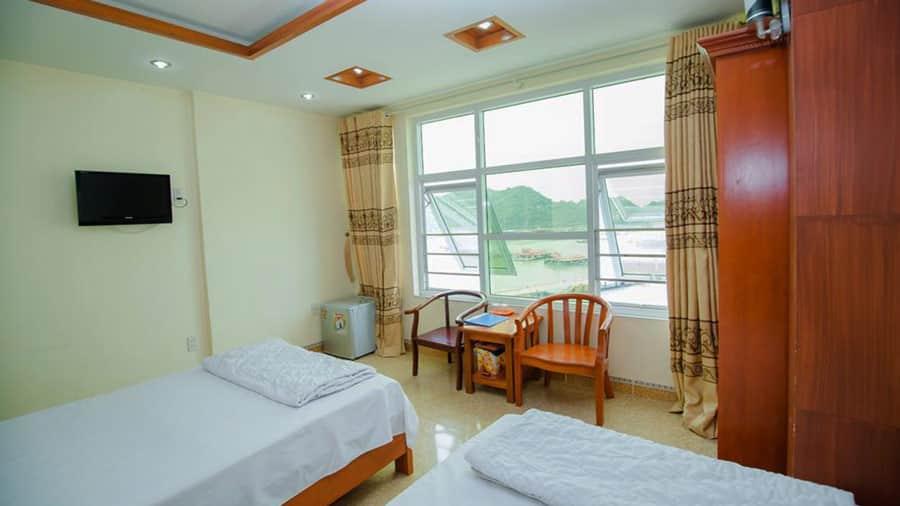 Phòng 2 giường hướng biển tại khách sạn Mỹ Ngọc