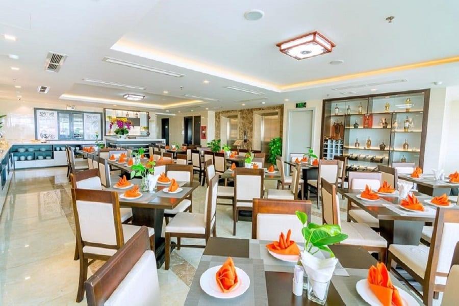 Khu vực nhà hàng khách sạn Dana Maria