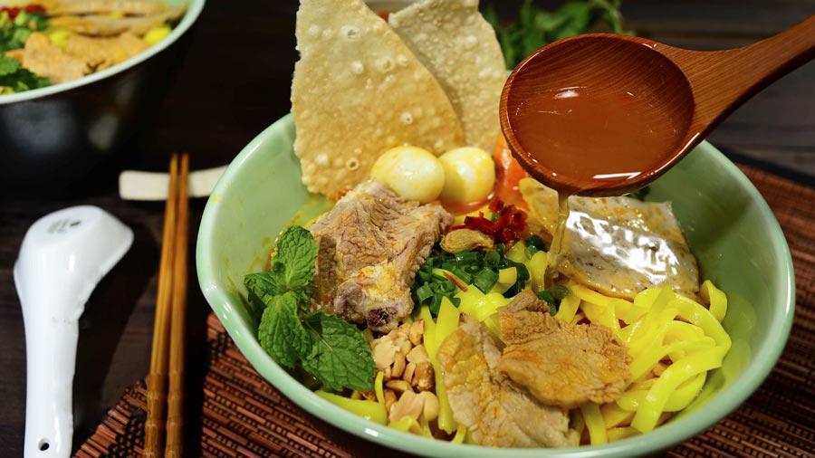 Mì Quảng Đà Nẵng được xem là món ăn phổ biến mang tính biểu tượng của địa phương được du khách lựa chọn khi có hành trình ghé thăm Đà Nẵng