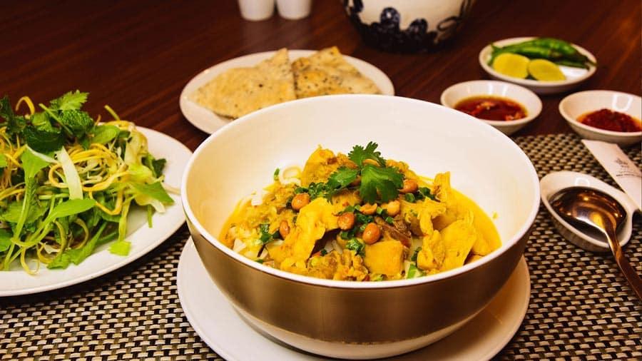 Mì Quảng được mệnh danh là món ăn mang đặc trưng và hồn cốt của người dân các tỉnh miền Trung