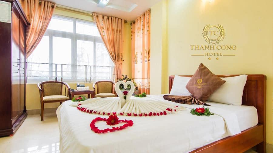 Phòng nghỉ tại khách sạn Thành Công luôn đầy đủ tiện nghi và hiện đại