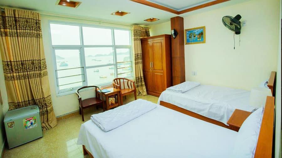 Phòng nghỉ trang bị đầy đủ tiện nghi hữu ích