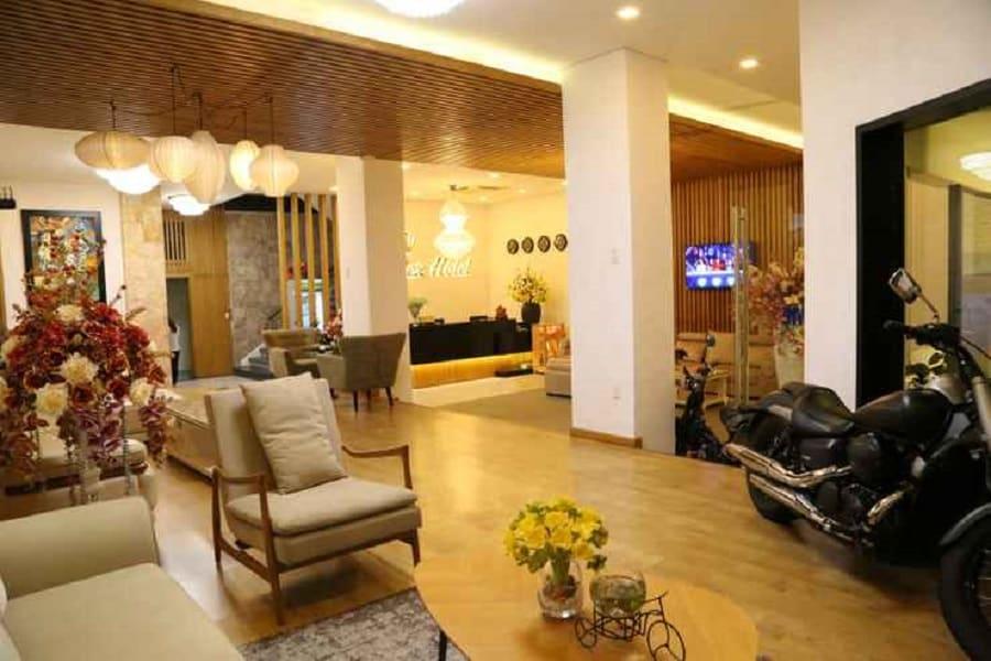 Sảnh khách sạn Rolex Danang