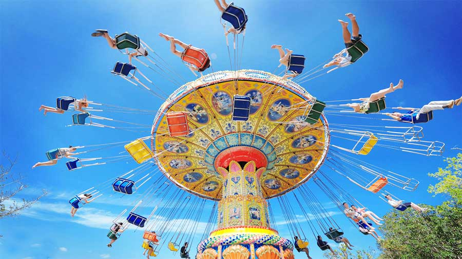 Trò đu quay dây văng nghiêng (Swing Carousel)