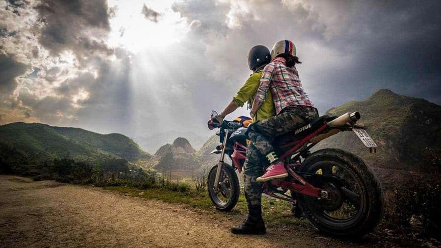 Du lịch Bà Nà Hill bằng xe máy cũng là trải nghiệm thú vị