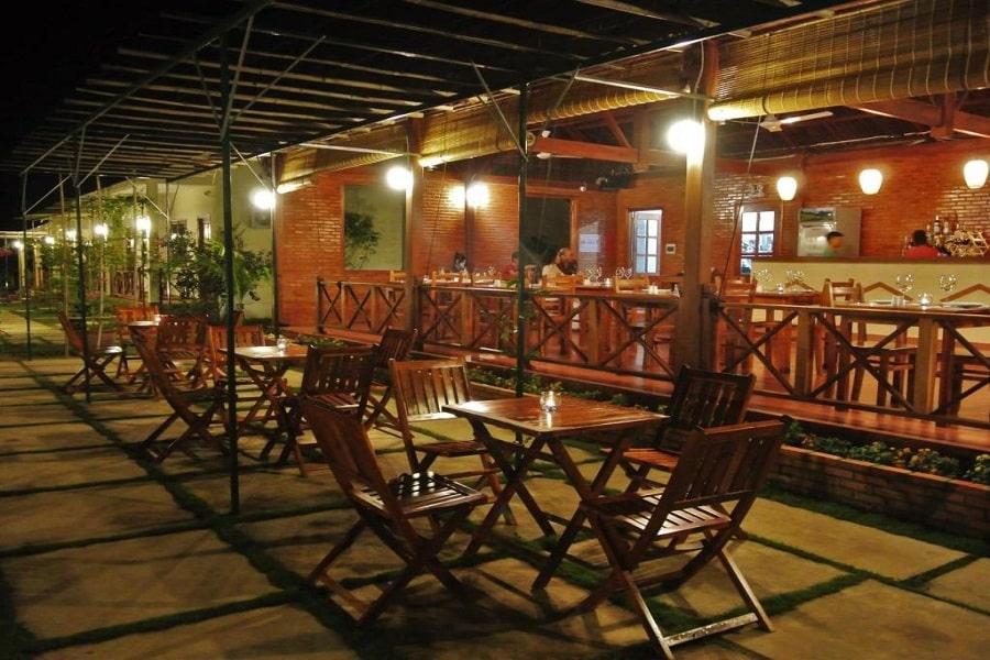 Khu vực nhà hàng Spring Garden