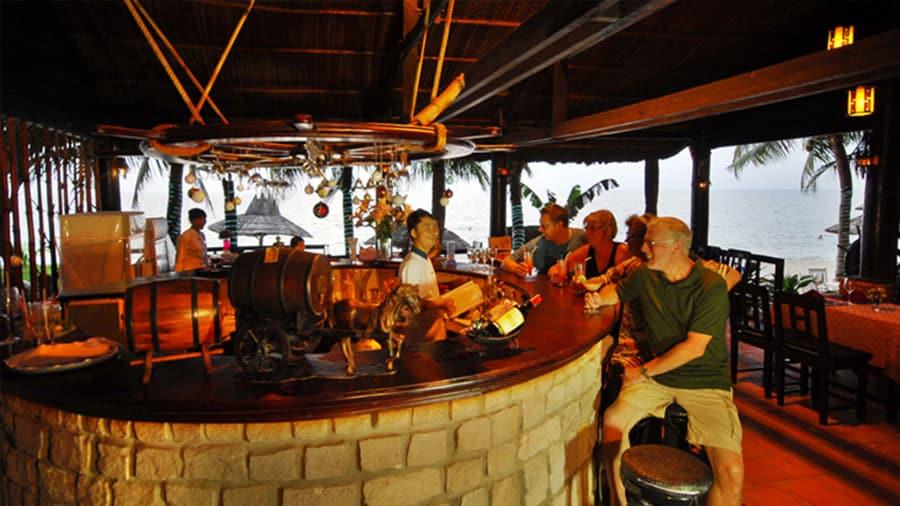 Resort cung cấp dịch vụ ăn uống hấp dẫn, đa dạng
