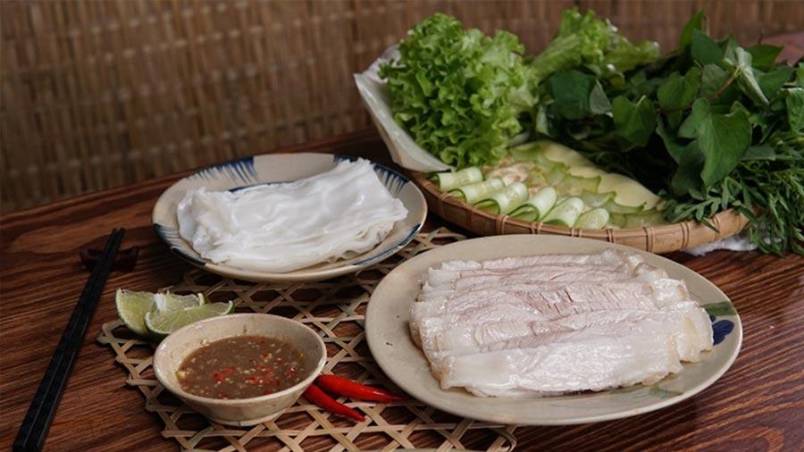 Bánh tráng thịt heo là món ăn ngon nổi tiếng tại Đà Nẵng