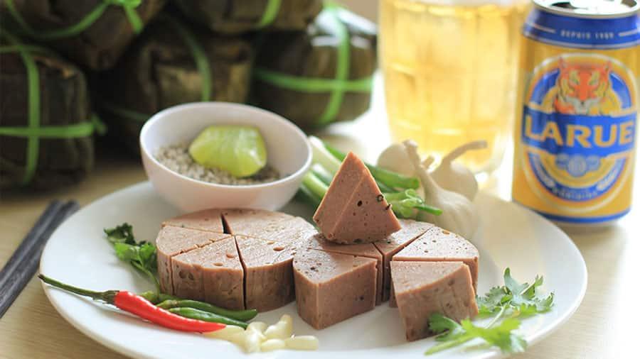 Chả bò là món ăn đặc sản của Đà Nẵng