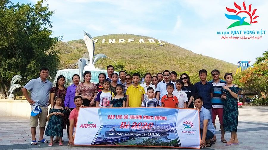 Đoàn Câu lạc bộ Arista Hùng Vương tham quan Vinpearl Land Nha Trang