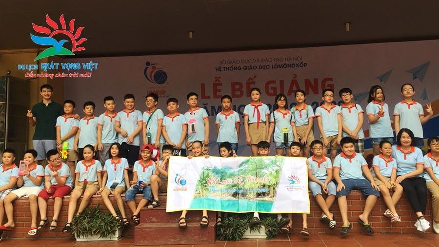 Tập thể lớp 5E Trường Lômônôxốp du lịch Thiên Sơn Suối Ngà