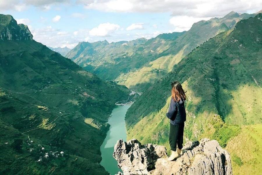 Từ trên cao ngắm toàn cảnh sông Nho Quế