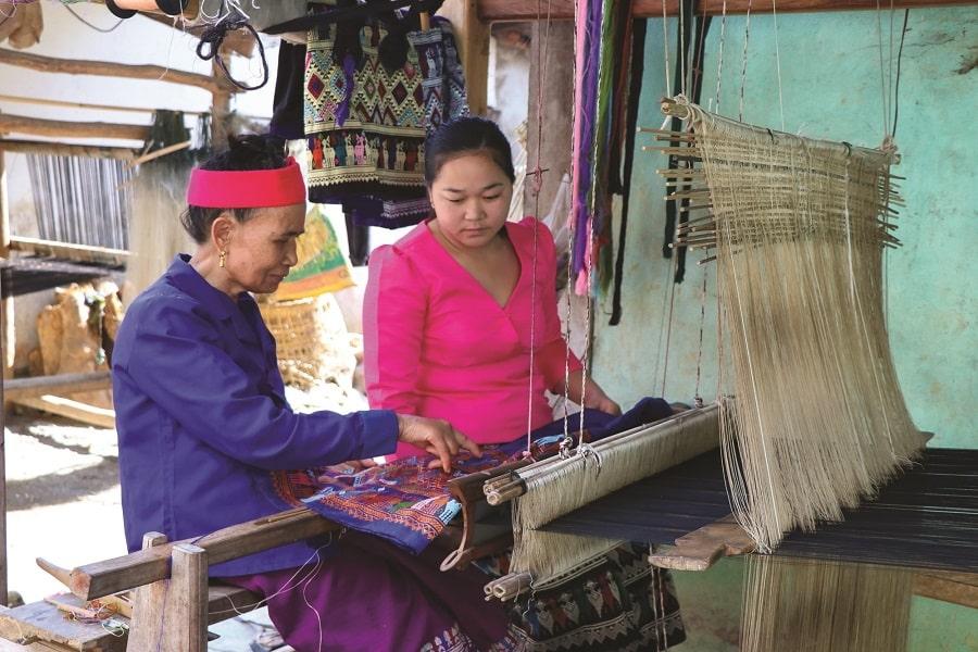 Nghề dệt thổ cẩm truyền thống của người dân tộc Tày