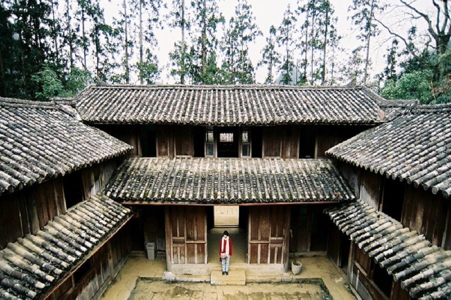 Nhà của Pao - ngôi nhà 3 tầng hình chữ U