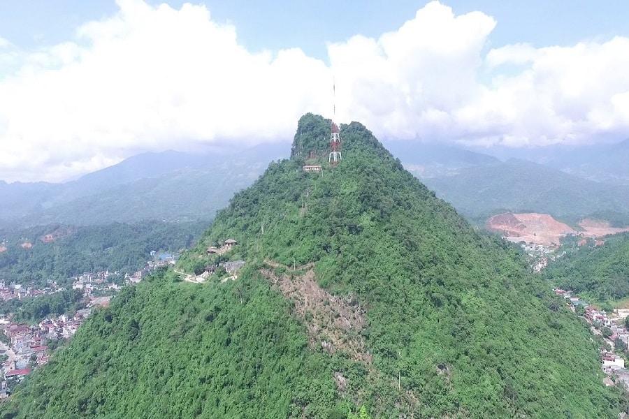 Núi Cấm Hà Giang – không chỉ đơn giản là một ngọn núi