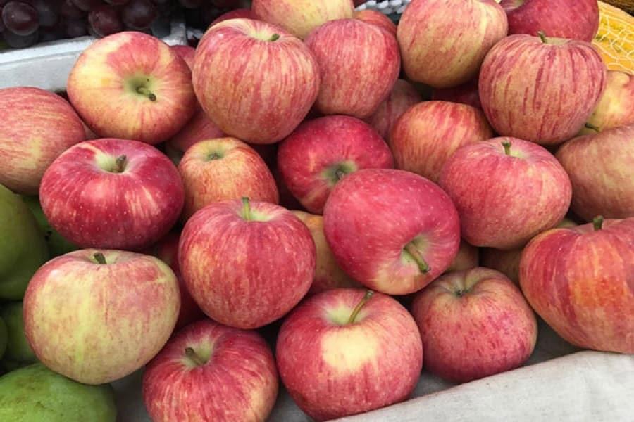 Những quả táo đẹp mắt được chào bán tại khắp nơi trên cả nước