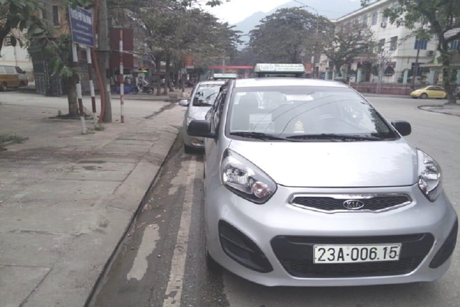 Taxi Công Hoàng