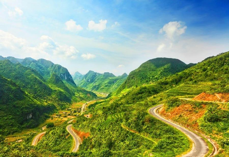 Toàn cảnh cung đèo Khau Phạ