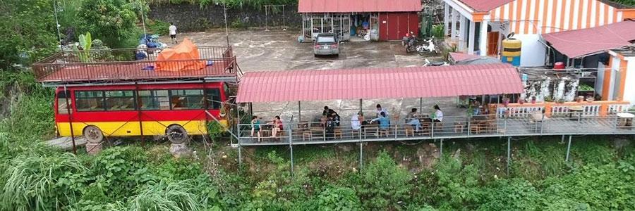 Toàn cảnh quán cà phê núi Cấm