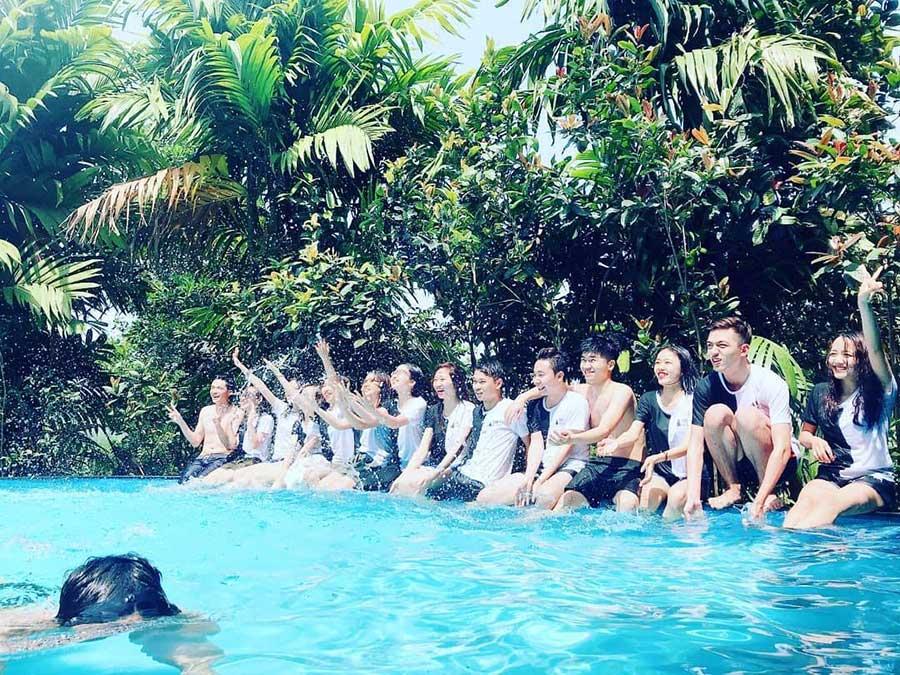 Bể bơi view đẹp tại resort