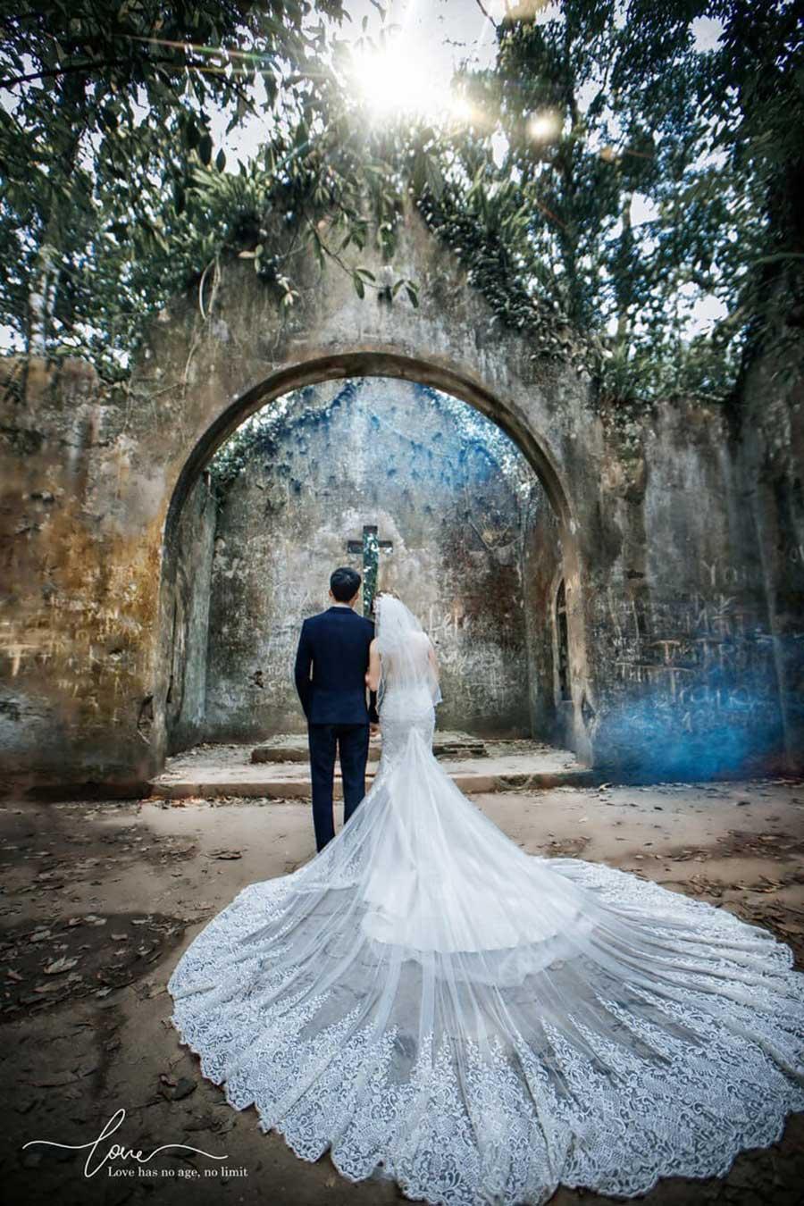 Nhà thờ đổ Ba Vì điểm chụp ảnh cưới lý tưởng của các cặp tình nhân