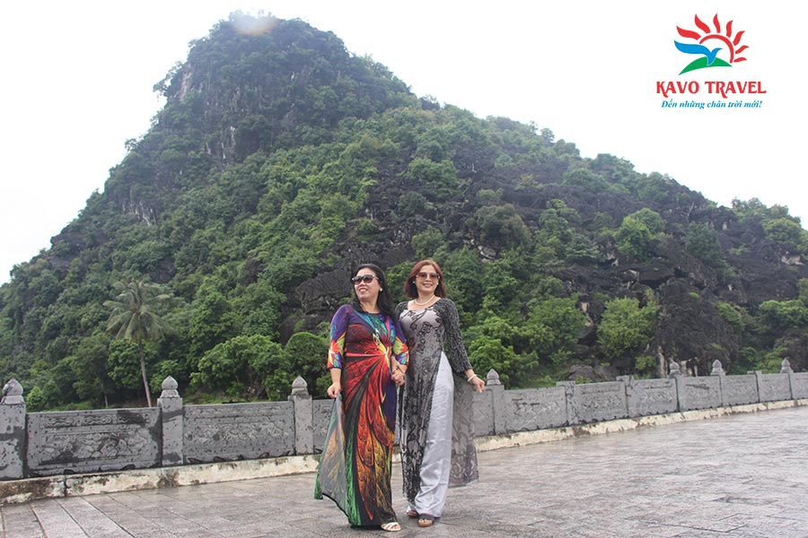Đoàn khách Tp. Hồ Chí Minh du lịch Ninh Bình