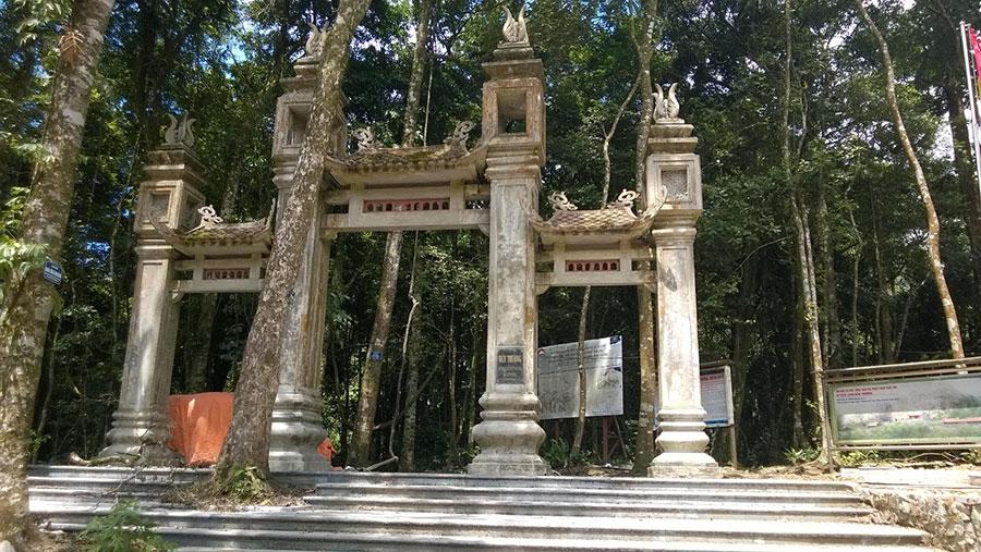 Du lịch Tâm lịnh đền Thượng