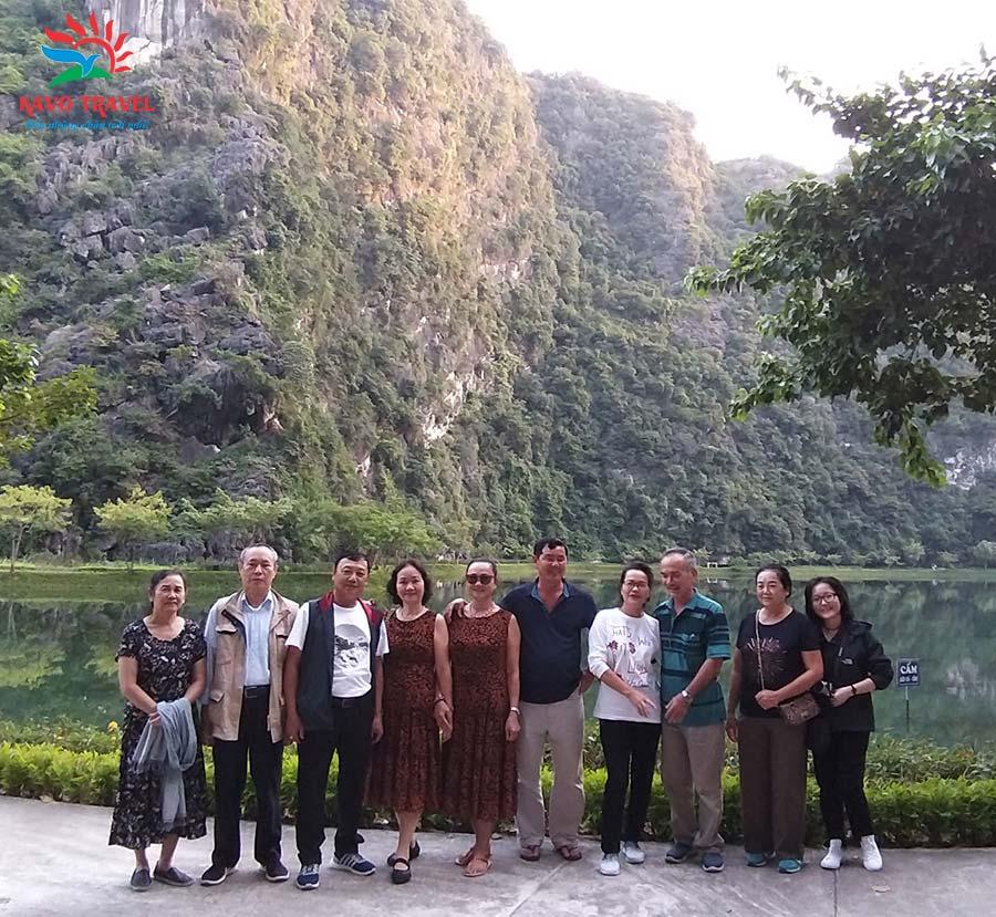 Đoàn gia đình chị Hiền du lịch Ninh Bình do Khát Vọng Việt tổ chức