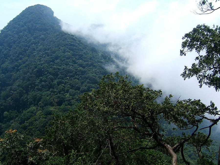 Núi Tản Viên - ngọn núi linh thiêng