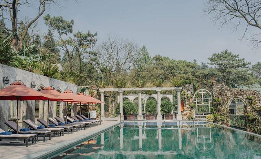 Bể bơi tại Melia Ba Vi Mountain Retreat