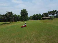 Trượt cỏ - hoạt động được du khách yêu thích khi du lịch Ba Vì