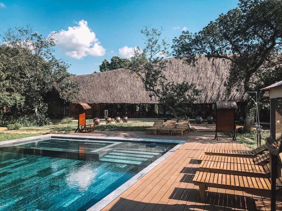 Bể bơi vô cực view đẹp rất thích hợp làm địa điểm sống ảo