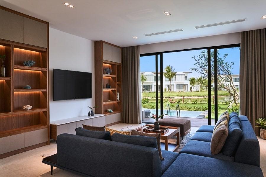 Phòng khách biệt thự 1 phòng ngủ hướng hồ bơi