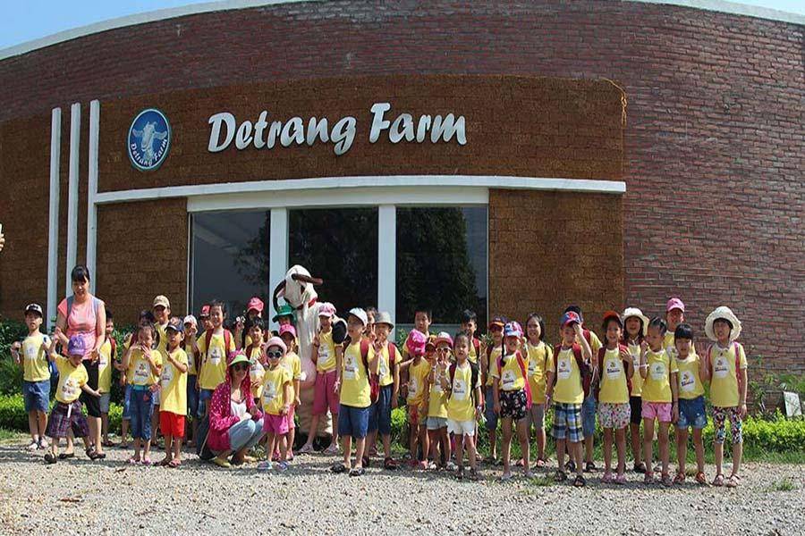 Nhà trường thường xuyên tổ chức cho các em học sinh đến trải nghiệm