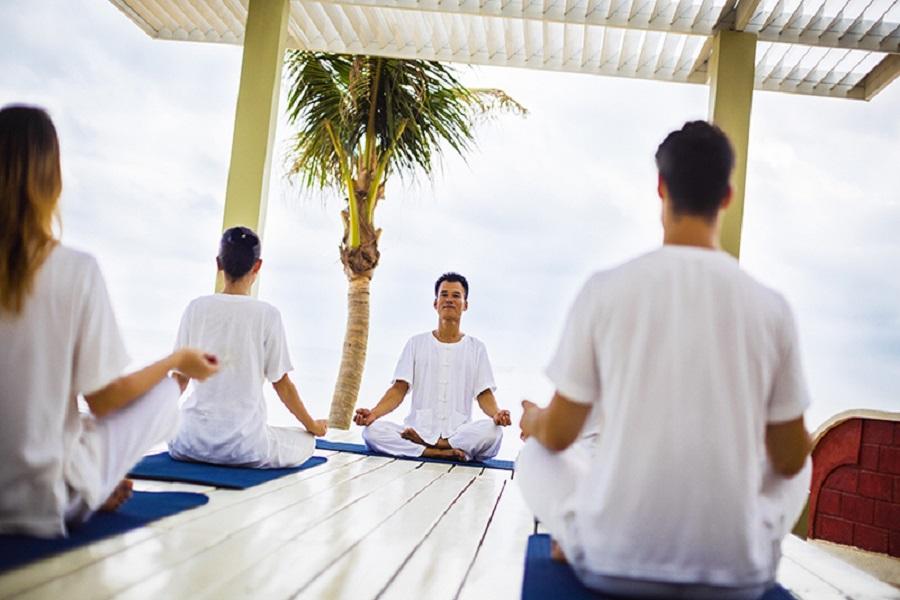 Lớp học Yoga khởi đầu ngày mới