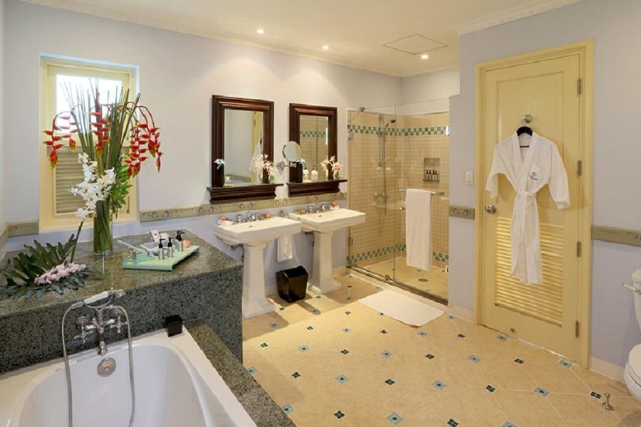 Phòng tắm La Veranda Ocean Villa