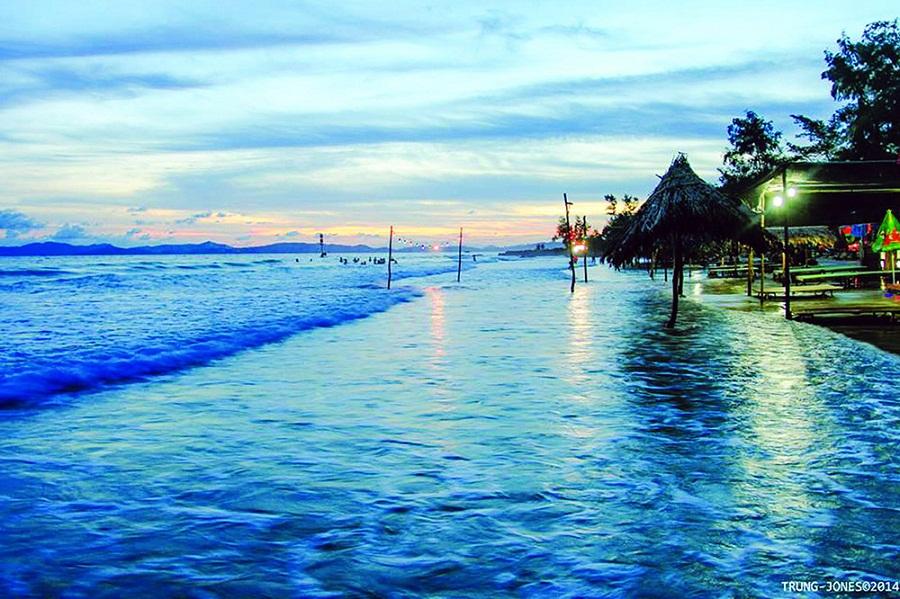 Biển Cô Tô được mệnh danh là đảo ngọc miền Bắc.