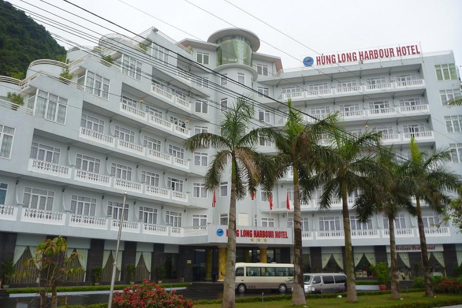 Khách sạn ở Cát Bà với tiện nghi hiện đại.