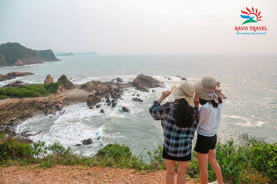 Bãi đá Móng Rồng - địa điểm du khách không nên bỏ lỡ
