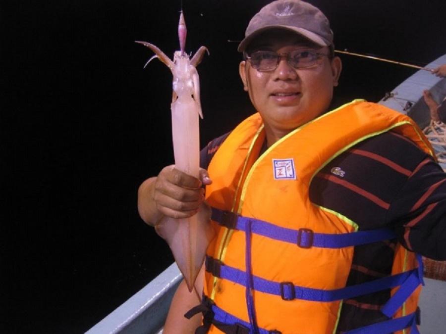 Câu cá mực đêm