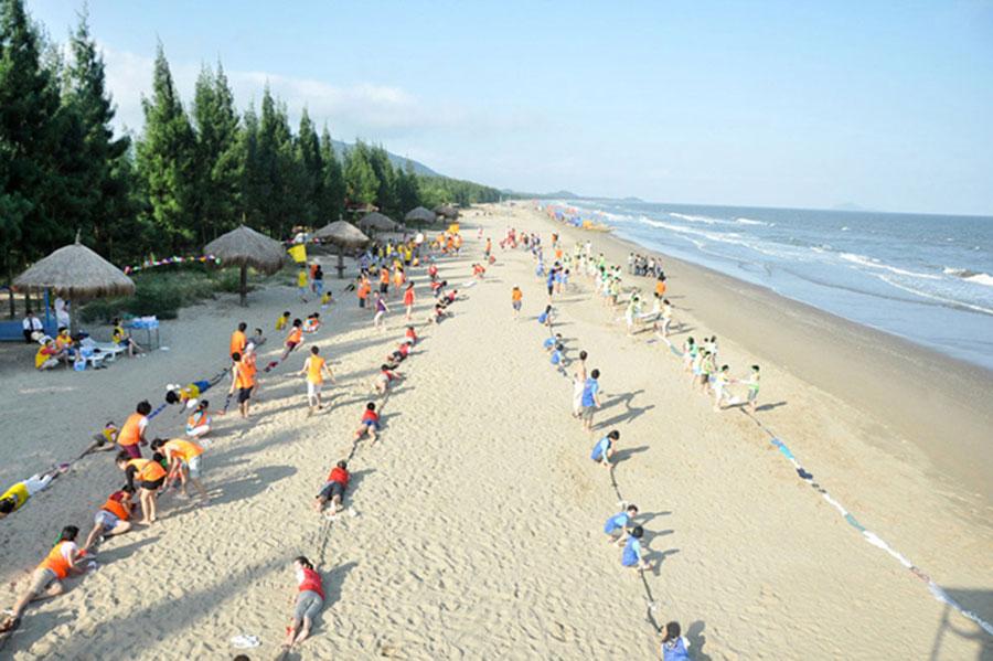 Các hoạt động gắn kết cộng đồng được tổ chức trên bãi biển