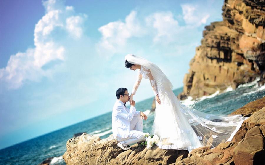 Chụp ảnh cưới ở bãi đá Cầu Mỵ