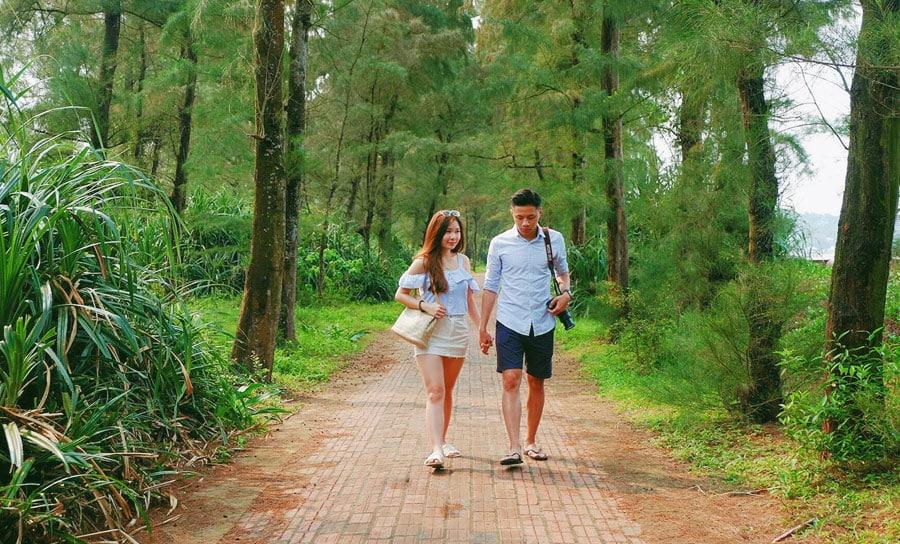 con đường tình yêu thơ mộng tại đảo Cô Tô