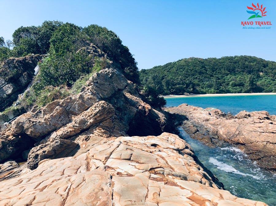 Bãi đá Cuội đẹp tại đảo Đông Nam