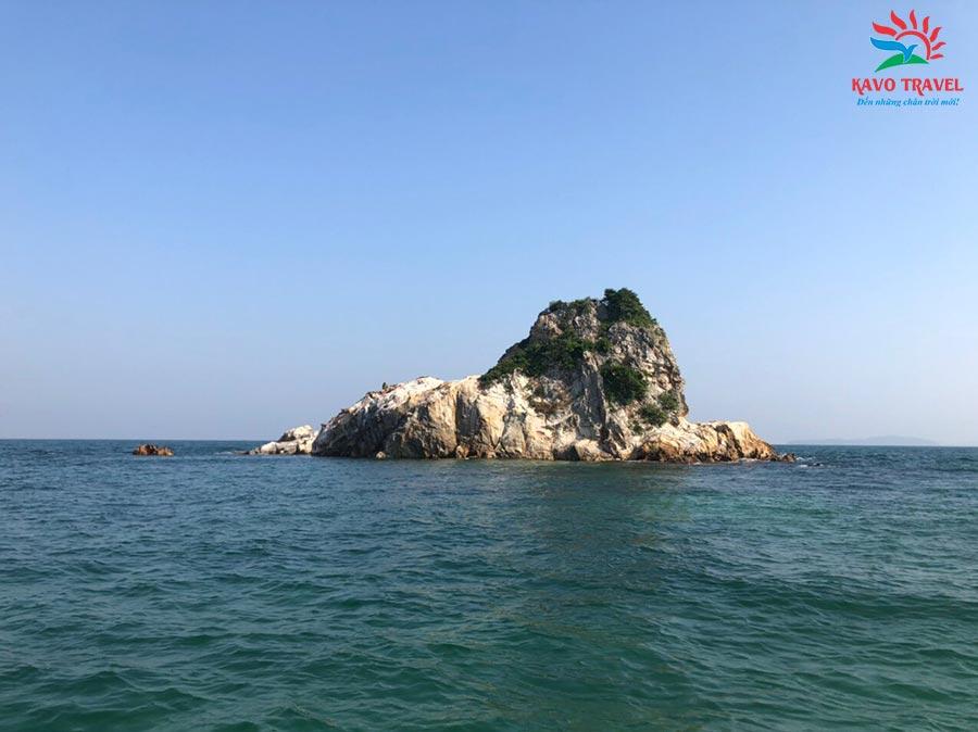 Hòn 7 Sao là tập hợp của 7 hòn đảo tại Cô Tô