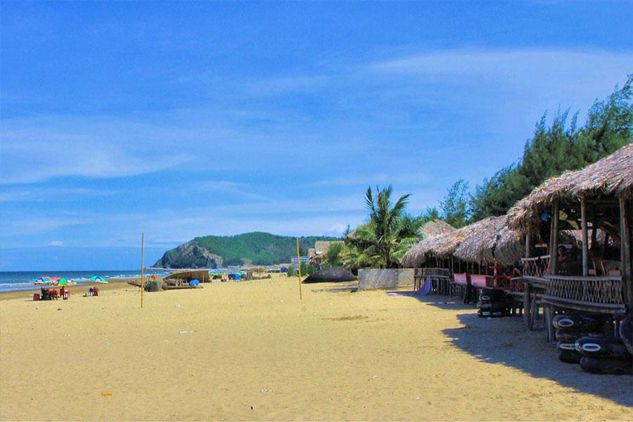 Biển Hài Hòa là một trong 6 bãu biển đẹp nhất miền Bắc